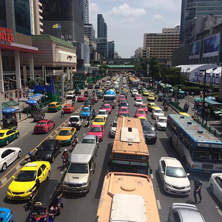 バンコク道路.jpg